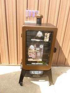Pitboss smoker. Like new condition. Tested & works. As shown.