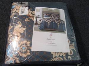 Queen Duvet Cover, 2 Pillow Shams...
