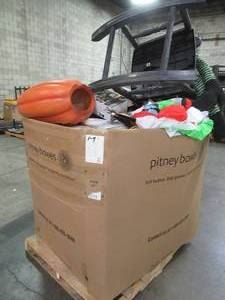 HAUNTED WHOLESALE MIXED PALLET OF MISCELLANEOUS AIR BLOWN, ANIMATED HALLOWEEN DECOR AND MORE!