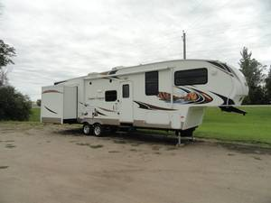 2011 Keystone Copper Canyon 5th Wheel RV