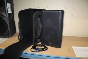 QSC 1KW 105-degree Active Loudspeaker K8 with Carry Case