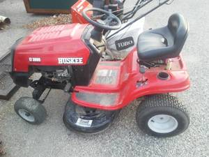Huskee LT 3800 Lawn Tractor. 12.5 Briggs and Stratton.