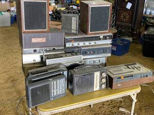 Lot of Vintage Electronics