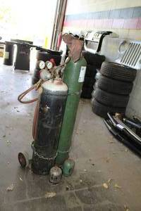Oxy-Acetylene Torch Welder - Includes Tanks, Cart