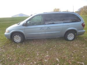 2003 Chrysler Town & Country Van