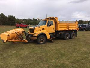 2000 Sterling Dump Truck/Snow Plow #16