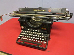 VINTAGE REMINGTON PARAGON 16 TYPEWRITER