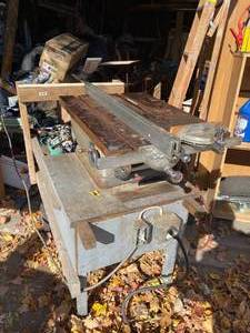 Vintage Craftsman Table Saw.  In working condition