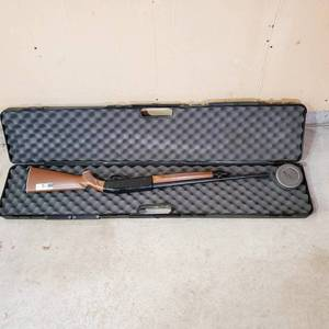 Vintage Crossman 766 Classic air-rifle with Rifle Case