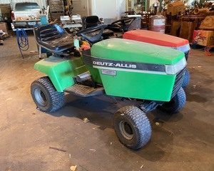 Deutz-Allis Lawn Tractor with Deck