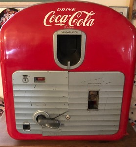 1949 Vintage Counter Top Coca-Cola Vending Machine