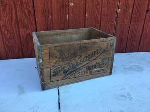 Theo-Hamm Brewing Co Wooden Crate