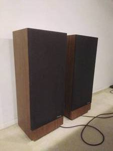 Pair of Floor Standing Polk Audio Speakers