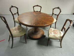 SOLID WOOD DINING TABLE WITH DECORATIVE CLAW FEET, UPHOLSTERED CHAIRS