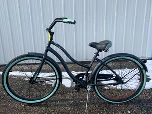 "Huffy Cranbrook Bicycle 26"" Wheels"