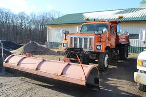 2000 Navistar International Commercial Dump/Snowplow Truck