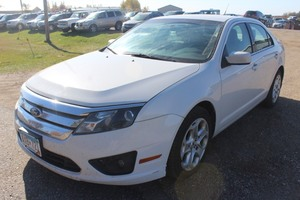 2011 Ford Fusion SE - 2 Owners -