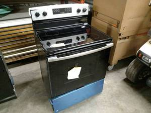 Ikea Electric Range, Model IER660GS...
