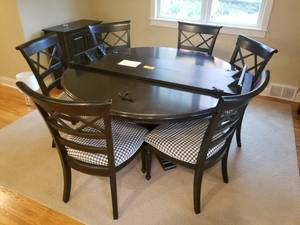 Fantastic Handcrafted Dining Set by Nichols & Stone