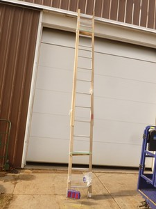 Werner 14' ladder. New condition. As shown.