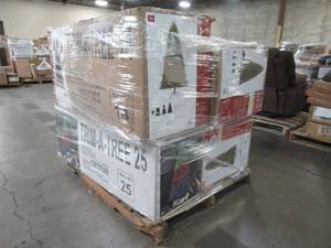 WHOLESALE MIXED PALLET OF MISCELLANEOUS ARTIFICIAL CHRISTMAS TREES!