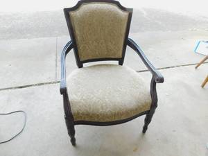 Burnhard Chair