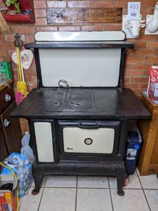 Antique Enamel Porcelain Dixie Wood Burning Cook Stove
