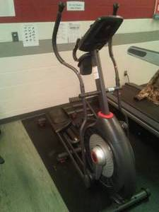 Schwinn 430 Elliptical Stepper / Glider. On-board computer! Great at home!
