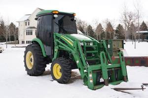 John Deere 4720 Tractor with Cab and 400CX Loader