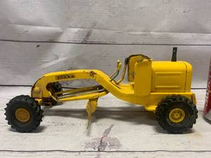 Vintage Tonka 1076 Mini Pressed Grader