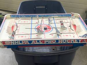 "Tudor 1969 Model 715 Hockey Game Approx 16"" x 27"""