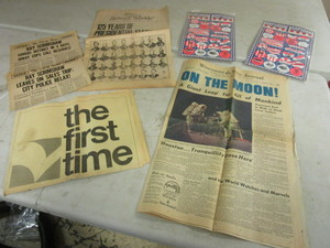 "VINTAGE ""ON THE MOON!"" JULY 21, 1969 WISCONSIN STATE JOURNAL, MINN. TRIBUNE COLLECTOR SUPPLEMENTS"