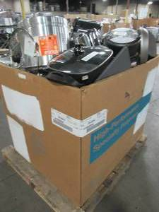WHOLESALE MIXED PALLET OF MISCELLANEOUS POTS, PANS, COOKING UTENSILS AND MORE!