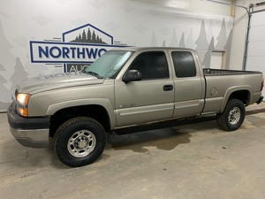 2003 Chevy 2500 4x4 -No Reserve-