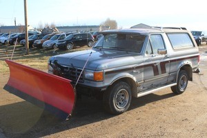 1987 Ford Bronco 4x4 - PLOW TRUCK -