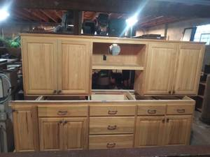 Goldenwood Cabinetry Kitchen Cupboards with Counter Top