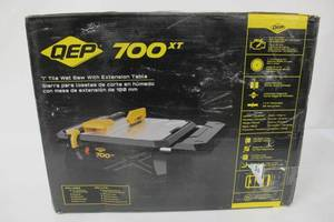 QEP 700XT 3/4 HP Wet Tile Saw with 7 in. Blade and Table Extension