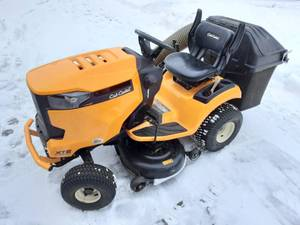 "Cub Cadet 42"" XT2 Riding Lawn Mower With Bagger"