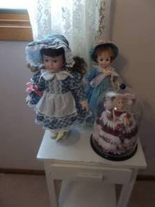 3-Collector Dolls