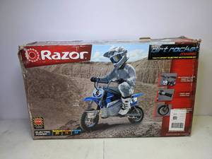 New Razor MX350 24V Dirt Rocket Electric Ride on Motocross Bike Runs Great