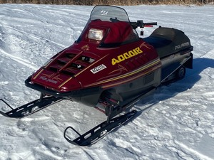 1992 Polaris Indy 440 Snowmobile