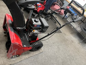SnowMaster 724 ZXR 24 in. 212cc Single-Stage Gas Snow Blower by Toro  In like New Conditions