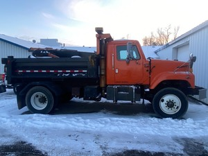 2000 International Dump Truck / Snow-Plow Truck