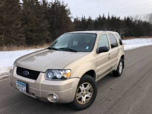 2007 Ford Escape LIMITED // 4WD