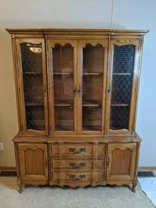 Beautiful Vintage Wood Hutch