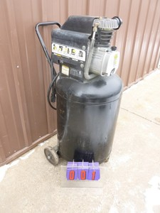 Central Pneumatic 21 gallon air compressor. Pumps to 40lbs only. For parts or repair. As shown.