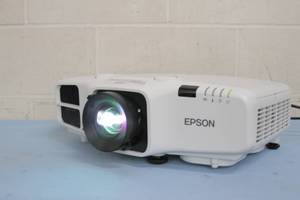 Epson PowerLite 4750W Widescreen WXGA 3LCD Home Theater 4200 Lumen Projection System / Projector