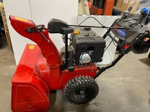 Toro Power Max HD 1030 OHAE 30 in. 302 cc Two-Stage Gas Snow Blower with Electric Start, Triggerless Steering & Hand Warmers In working conditions
