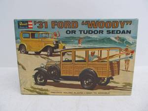 "Vintage Revell 1931 Ford ""Woody"" Tudor Sedan"