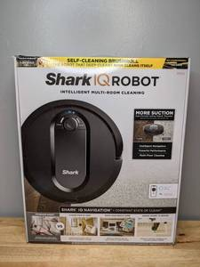 Brand New Shark IQ Robot Vacuum Self Cleaning Brushroll Advanced Navigation Pet Hair